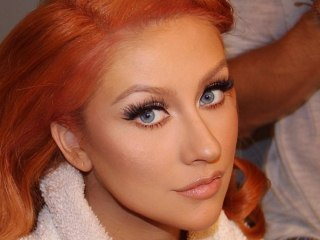 Christina Aguilera debuts (another) new 'do! See the pic