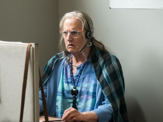 Review: The Pfeffermans Are Perfectly Imperfect in 'Transparent' Season 3