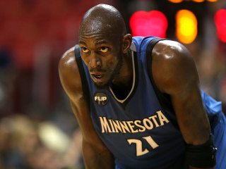 Kevin Garnett Announces Retirement after 21 Seasons in NBA