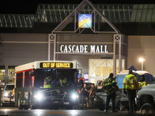 Person in Custody in Washington Mall Shooting That Killed 5