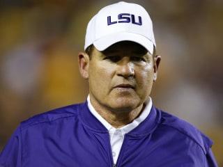 Reports: LSU Fires Head Coach Les Miles, OC Cam Cameron