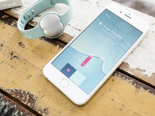 As More Women Choose to Have Babies Later, a Fertility Fitbit May Help