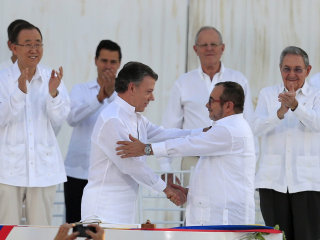 After Five Decades of War, Colombia, FARC Rebels Signs Historic Peace Accord