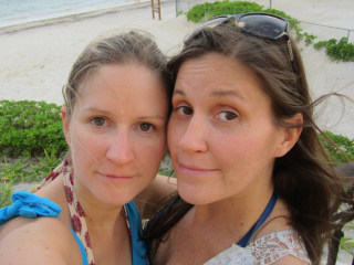 Seychelles Police Probe Deaths of Sisters Annie and Robin Korkki