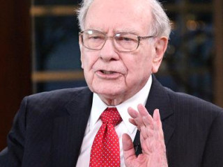Warren Buffett Denies He Wants Major Changes at Wells Fargo