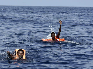 Italy Coast Guard: 4,650 Migrants Saved, 28 Drown Trying to Reach Europe