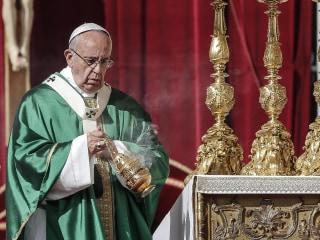 Pope Francis Names 17 New Cardinals, Including 3 U.S. Moderates