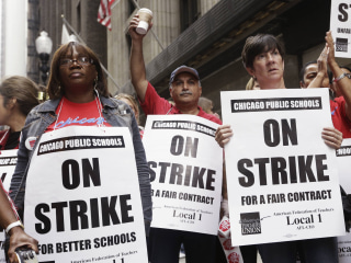 Chicago Teachers, Nation's Third Largest School District, Avoid Strike