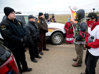 Senators Ask Obama to Stop Pipeline Amid Rising Tensions, Arrests