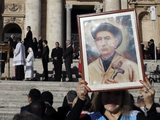 Pope Francis Canonizes Argentina's 'Gaucho Priest' Brochero, 6 Others