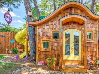 This hobbit-inspired backyard playhouse is a kid's dream