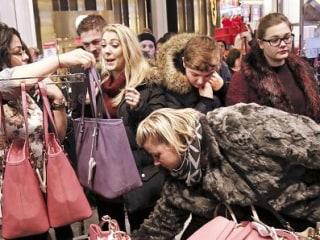 Macy's Bucks Trend, Will Open on Thanksgiving – Even Earlier