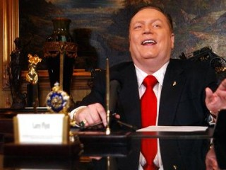 Porn Tycoon Larry Flynt Offers $10 Million for Dirt on Trump That Leads to Impeachment