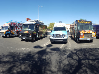 'Wall' of Taco Trucks to Line Up at Trump's Las Vegas Hotel in Protest