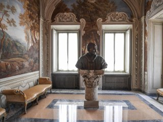 See Inside Pope's Lavish Palazzo… Now Open to Public
