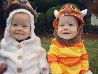15 Adorable Sibling Halloween Costumes to Make You Smile