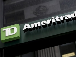 Two Largest Brokers Unite as TD Ameritrade Buys Scottrade Financial for $4B