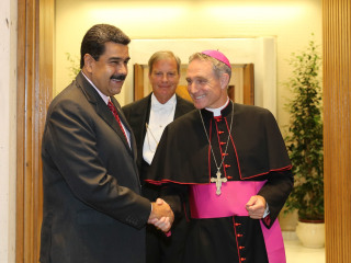 Pope Meets Venezuelan President Maduro in Surprise Bid to Resolve Crisis