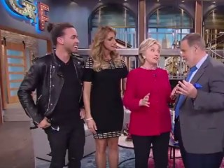 'El Gordo y La Flaca' Give Hillary Clinton Tequila for Her Birthday