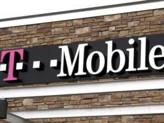 T-Mobile Seen as Top Target Following AT&T-Time Warner Deal