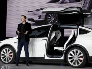 "Tesla ""Getting Very Close to the Edge"" as it Readies Critical Model 3"