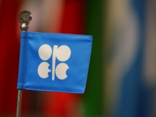 Oil Edges Back Over $50, But Doubts Remain on OPEC Cuts