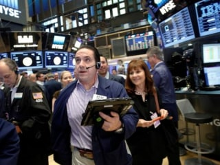 Stocks Close Higher, But Wall Street Remains on Tenterhooks