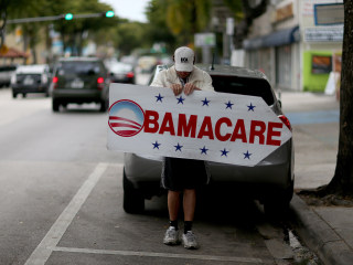 Obamacare On the Line as Latino Democrats Meet With Obama