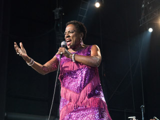 Legendary Soul Singer Sharon Jones Dies After Cancer Battle