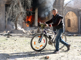 Bombing in Syria's Aleppo Kills 20, Knocks More Hospitals Out of Service