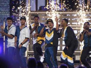 Highlights From the AMAs: Awards and Electric Performances