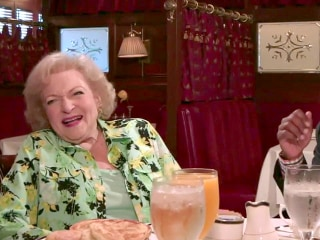 Betty White on Her Dating Life at 94: Nobody Asks Me Out