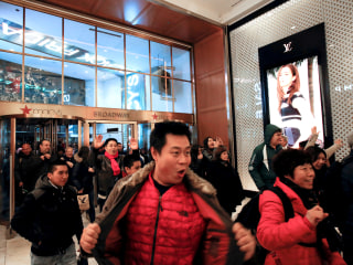 Black Friday Online Sales Hit New High After Shoppers Snag Big Discounts