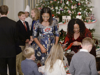 First Lady Offers Emotional Thank You to White House Holiday Visitors
