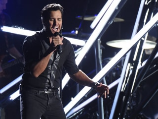 Country Music Superstar Luke Bryan Slaps Audience Member