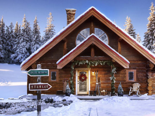 This amazing log cabin was made for Santa Claus and his family — take a peek!