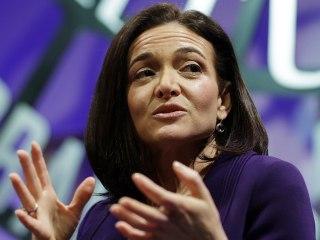 Facebook's Sandberg 'Leaning Into' Russia Investigation
