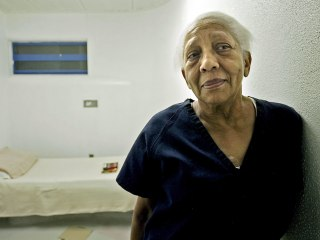 Serial Jewel Thief Doris Payne, 87, Avoids Jail Time After Walmart Theft
