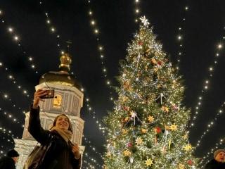 Let it Glow! Christmas Lights Shine Across the World