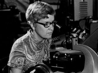 Vera Rubin, Astronomer Who Did Pioneering Work on Dark Matter, Dies at 88
