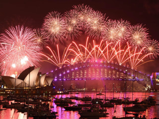 Hello 2017! Revelers Across the Globe Ring in the New Year