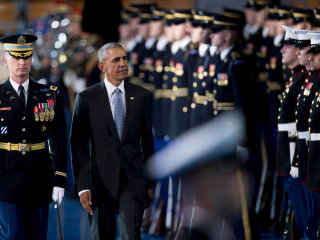 Armed Forces Bid Farewell to President Obama