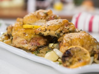 Easy and healthy dinner: Oven-roasted chicken and balsamic-glazed mushrooms