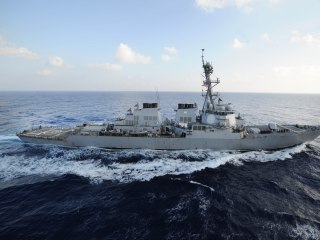 U.S. Warship Fires Warning Shots After Iranian Boats Approach at High Speeds