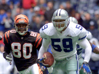 Former Dallas Cowboy Dat Nguyen to Be Inducted to College Football Hall of Fame