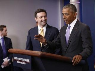 Obama Surprises Spokesman Josh Earnest at Final White House Press Briefing