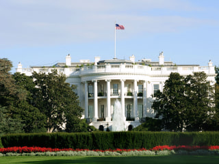 Natl Association of Hispanic Journalists Meets with White House Officials