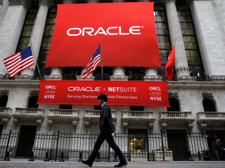 Department of Justice Sues Oracle, Says It Pays White Men More than Others