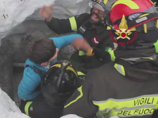 Italy Avalanche: Eight People Found Alive Inside Buried Hotel