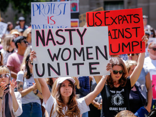 'Sister Marches' Protesting Trump Begin in Australia, New Zealand